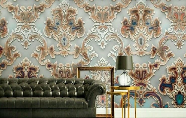 دکور دیوار شامل کاغذ دیواری، استیکر، دیوارپوش و قفسه های چوبی است.