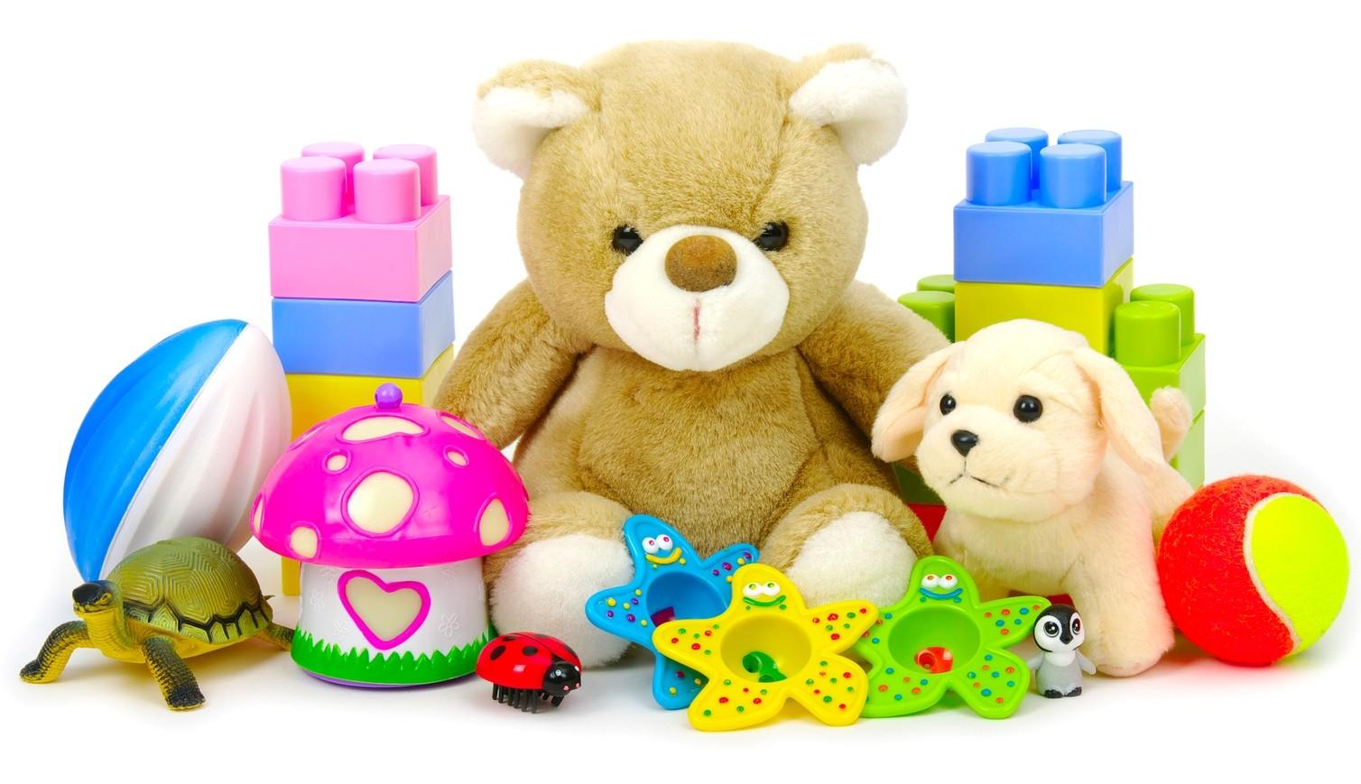 یکی دیگر از نکاتی که بسیاری از والدین نسبت به آن توجه زیادی ندارند، جنس و متریال اسباب بازی هاست.