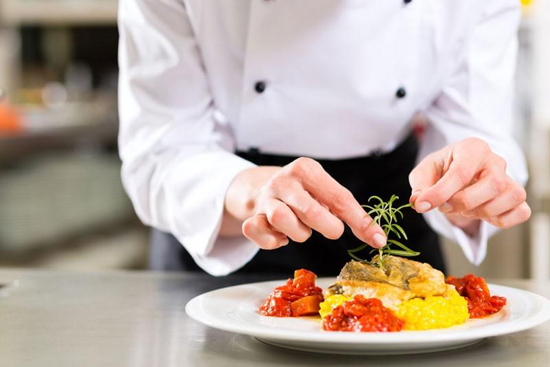 دومین نکته برای پخت و پز انتخاب مواد غذایی سالم است.
