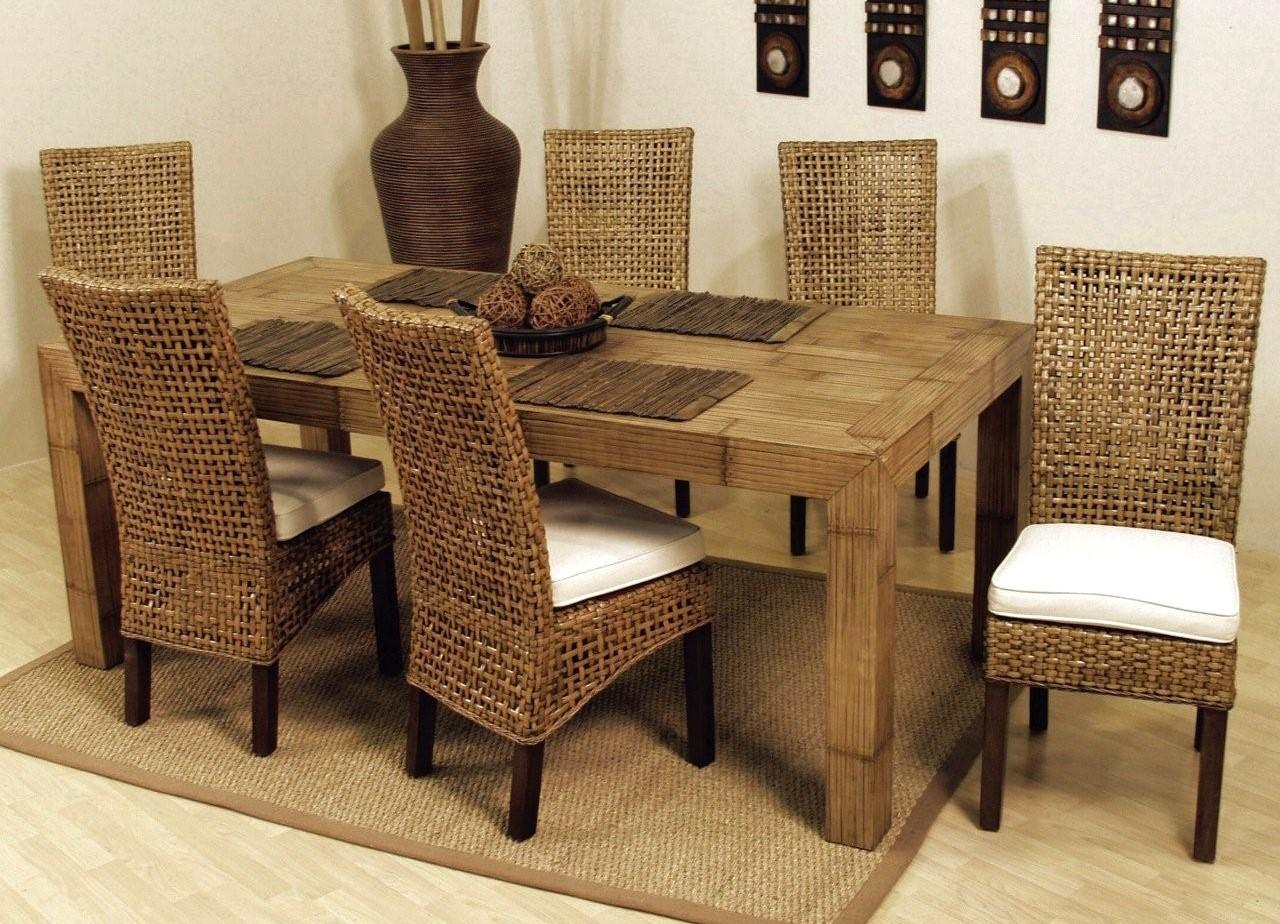 میز غذاخوری به عنوان یکی از وسایل ضروری برای منزل محسوب می شود