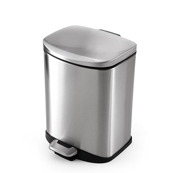 برای جلوگیری از آلوده شدن بدنه داخلی سطل زباله در داخل آن نایلون های مقاوم گذاشته می شوند